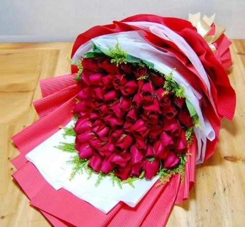 66朵红玫瑰