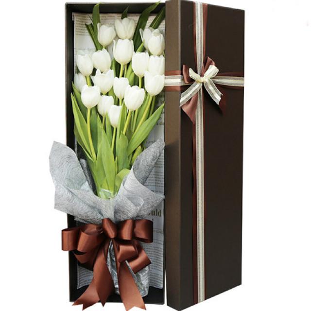 纯粹-19枝白色郁金香礼盒