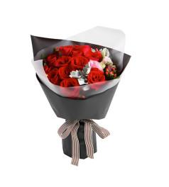 女神--红玫瑰16枝,红豆5枝,粉色桔梗1枝,银叶菊2枝