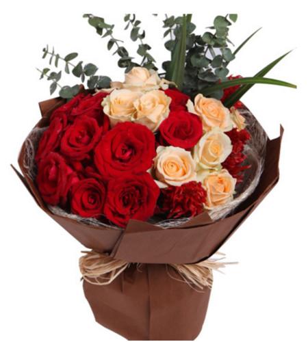 甜蜜爱情--红玫瑰11枝,香槟玫瑰8枝,火炬3枝