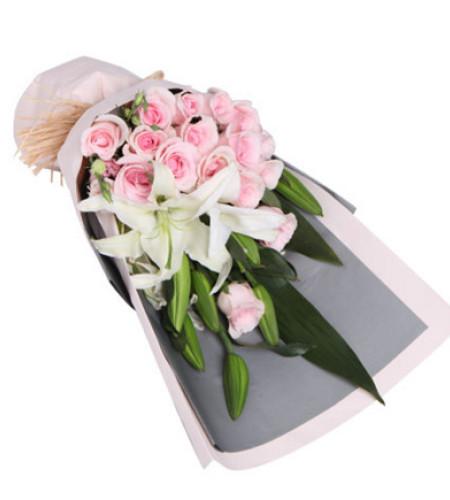 暖意--粉佳人粉玫瑰16枝,多头香水百合2枝