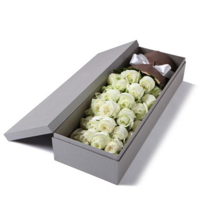 初见的美好--精品玫瑰礼盒:白玫瑰33枝
