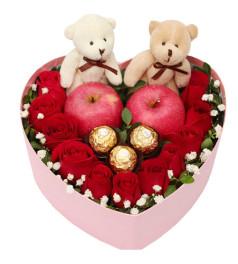 圣诞花盒C--11枝红玫瑰+2个苹果+3个费列罗+一对公仔