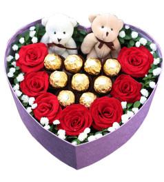 我们的幸福--7枝红玫瑰+9个费列罗+一对公仔