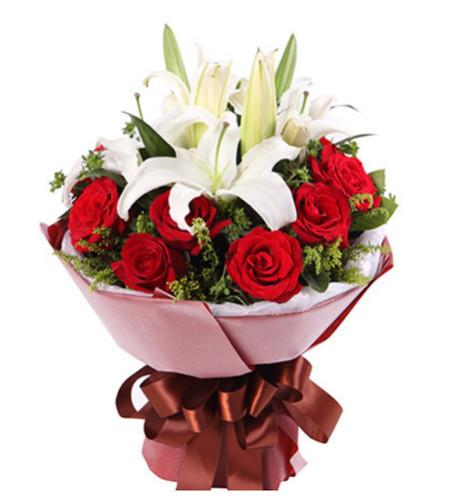 情人节快乐--红玫瑰11枝,2枝多头白香水百合