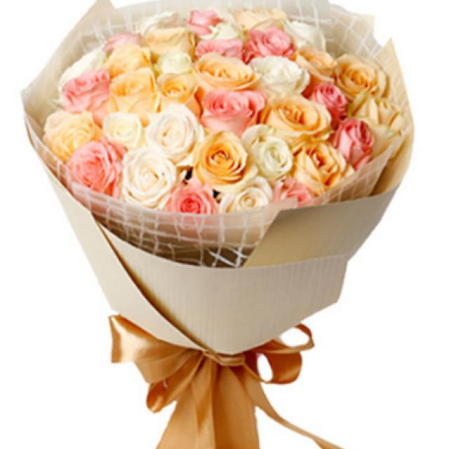 宠爱--白色、粉色、香槟三色玫瑰共33枝混搭