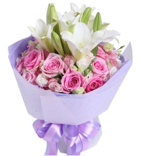 静候佳音--苏醒玫瑰16枝(水粉色彩玫),铁炮百合2枝,白粉双色桔梗6枝