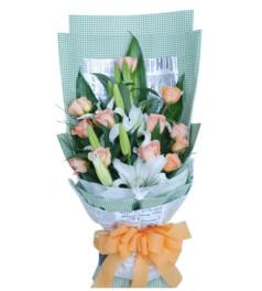 思念与祝福--12枝香槟玫瑰,2枝香水百合