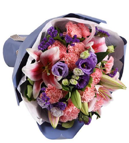 好心情--粉色康乃馨12枝,紫色桔梗3枝,粉色香水百合2枝