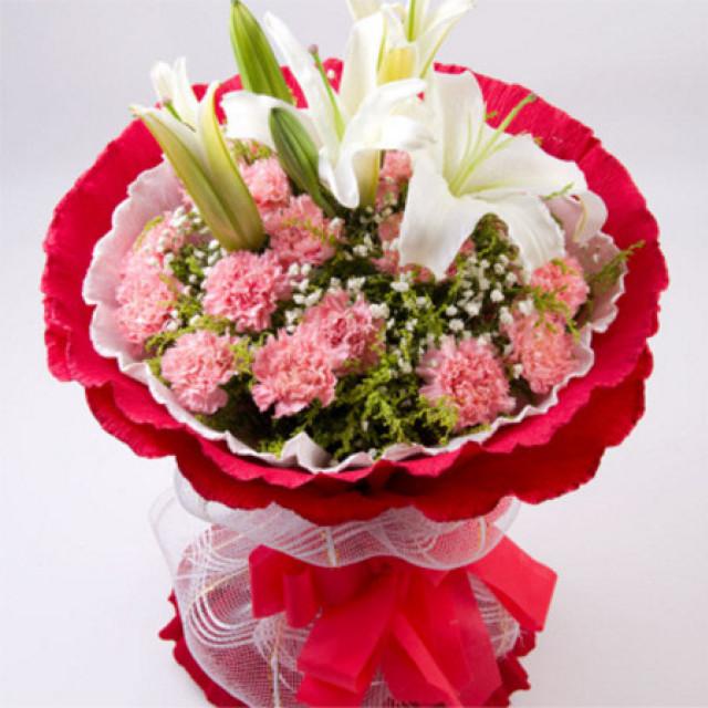 美好的呼喊--19枝粉色康乃馨,2枝白色香水百合